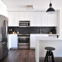Colocar horno en cocina moderna