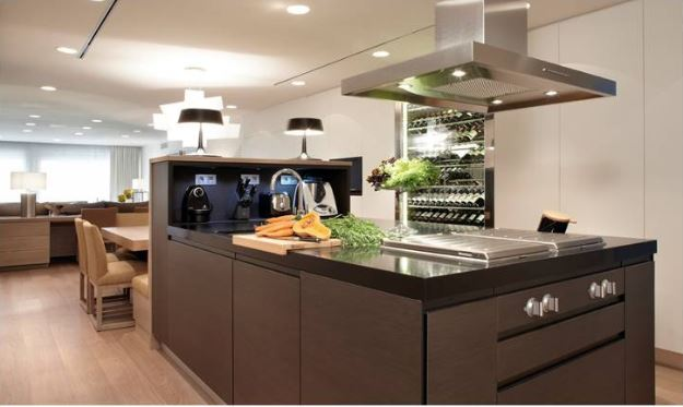 Cocina de diseño abierta al salón-comedor